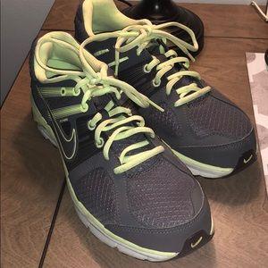 EUC Nike Anodyne DS Flywire sneaker size 9